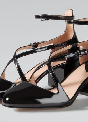 Шикарные туфли, босоножки, лаковые