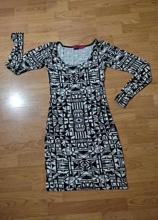 Платье абстракция xs