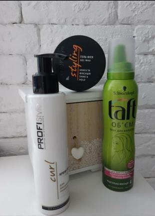 Мусс/гель/крем для укладки волос
