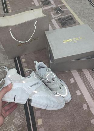 Кроссовки белые  с отражателями брендовые