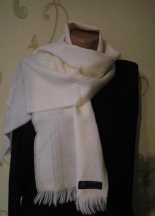 Белый шерстяной шарф кашне . 100% натуральная шерсть высочайшего качества. новый