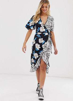 Актуальное платье на запах в цветы и в принт зебры летнее