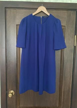 Шикарное платье насыщенного синего цвета