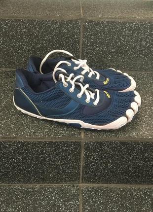 Кросівки vibram