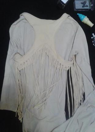 Стильное ровное платье нюд