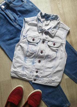 Стильная джинсовая жилетка, желетка, джинсовка, безрукавка