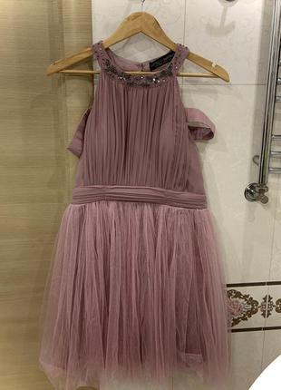 Пудровое вечернее платье с бисером