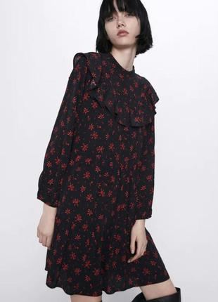 Zara оверсайз платье с принтом и воланами из вискозы