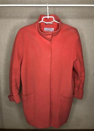 Пальто лососевого цвета