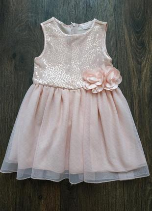 Красиве нежное платье на 3-4 года
