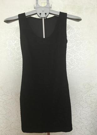 Стрейчевое черное платье-мини