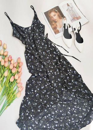 Дуже красиве плаття на запах на бретельках у квітковий принт h&m розмір s