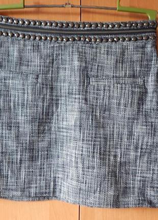 Натуральная короткая юбка c карманами