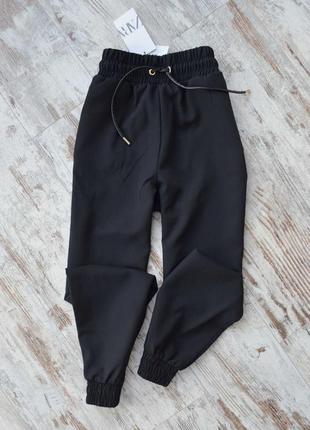 Спортивные штаны черного цвета на резинке джоггеры