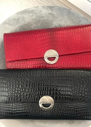 Женские лаковые кошельки из натуральной кожи италия портмоне черный красный.