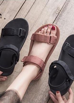 Стильные унисекс сандалии босоножки