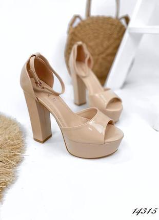Босоножки боссоножки туфли сандалии на высоком каблуке на высокой платформе бежевые эко лак4 фото