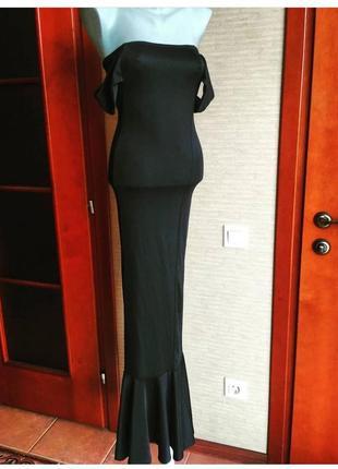 Шикарное платье в пол с спущенными плечами