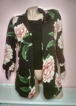 Накидка с интересным рукавом в цветы пиджак