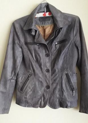 Брендовая кожаная женская куртка немецкой фирмы yessica,оригинал
