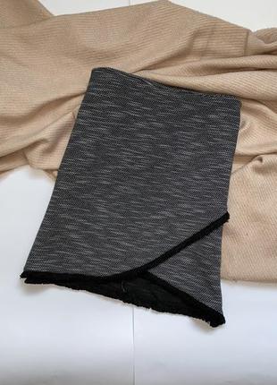 Новая серая мини юбка на запах с бахромой new look, p.s/m
