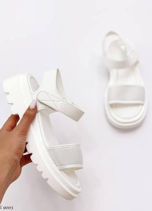Шлепки шлепанцы сандалии боссоножки боссоножки белые эко кожа текстиль