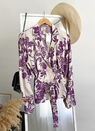 Шикарная блузка на запах с поясом в принт h&m