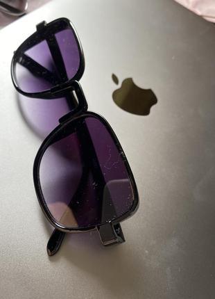 Очки солнцезащитные классной формы стильные модные
