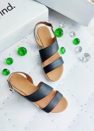 Find. оригинал кожаные черные сандалии