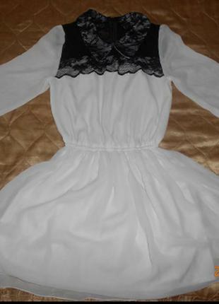 Платье белое с черным с гипюром кружевом вечернее