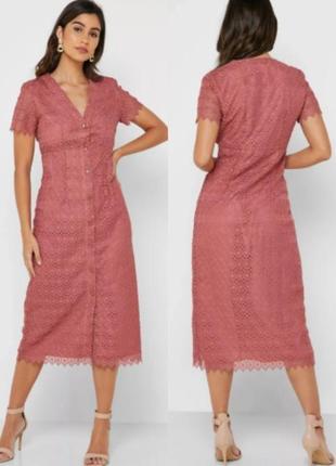 Ажурное платье плетеннное кружево от mango цвет насыщенно розовый