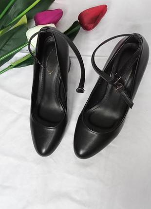 Туфлі. туфли. 37 р.