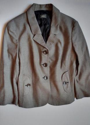 Элегантный укороченный жакет мexx в стиле chanel одри хепберн