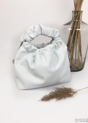 Белая сумка мешок с длинным ремешком
