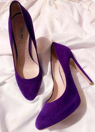 Фиолетовые замшевые туфли miu miu prada