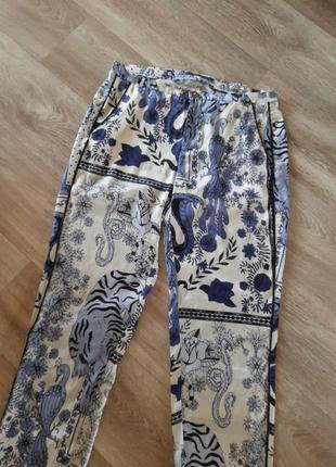 Легкие брюки guess