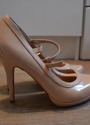 Туфли женские кремовые лаковые