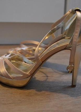 Босоножки женские кремовые на каблуке3