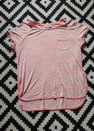 Яркая легкая летняя футболка