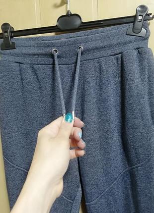 Спортивные штаны от известного бренда3 фото