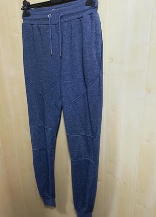 Спортивные штаны от известного бренда1 фото