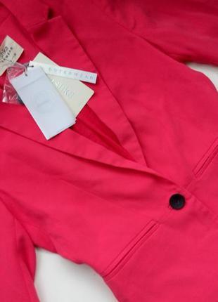 Новый малиновый  пиджак bershka
