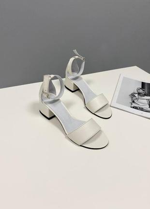 Босоножки боссоножки сандалии на низком каблуке натуральная кожа туфли 7648 фото