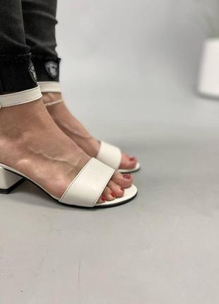 Босоножки боссоножки сандалии на низком каблуке натуральная кожа туфли 7649 фото