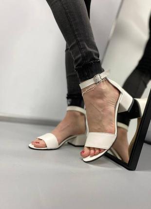Босоножки боссоножки сандалии на низком каблуке натуральная кожа туфли 764
