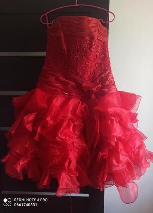 Плаття червоного кольору б/у