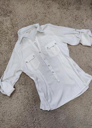 Біла блуза . блузка . рубашка