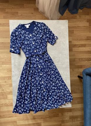 Платье миди стильное на пуговицах с поясом