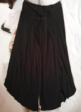 Нарядні широкі штани на запах з віскози жатки, c&a