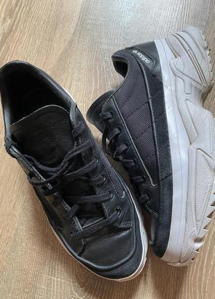 Кроссовки adidas original 38,5 р ,кожа